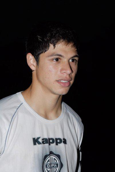 Jungstar Rodrigo Rojas spielte während unseres Besuchs in Asunción noch bei Olimpia. Seine Premier-League-Träume musste er mittlerweile begraben. Foto: Thomas Schmidt
