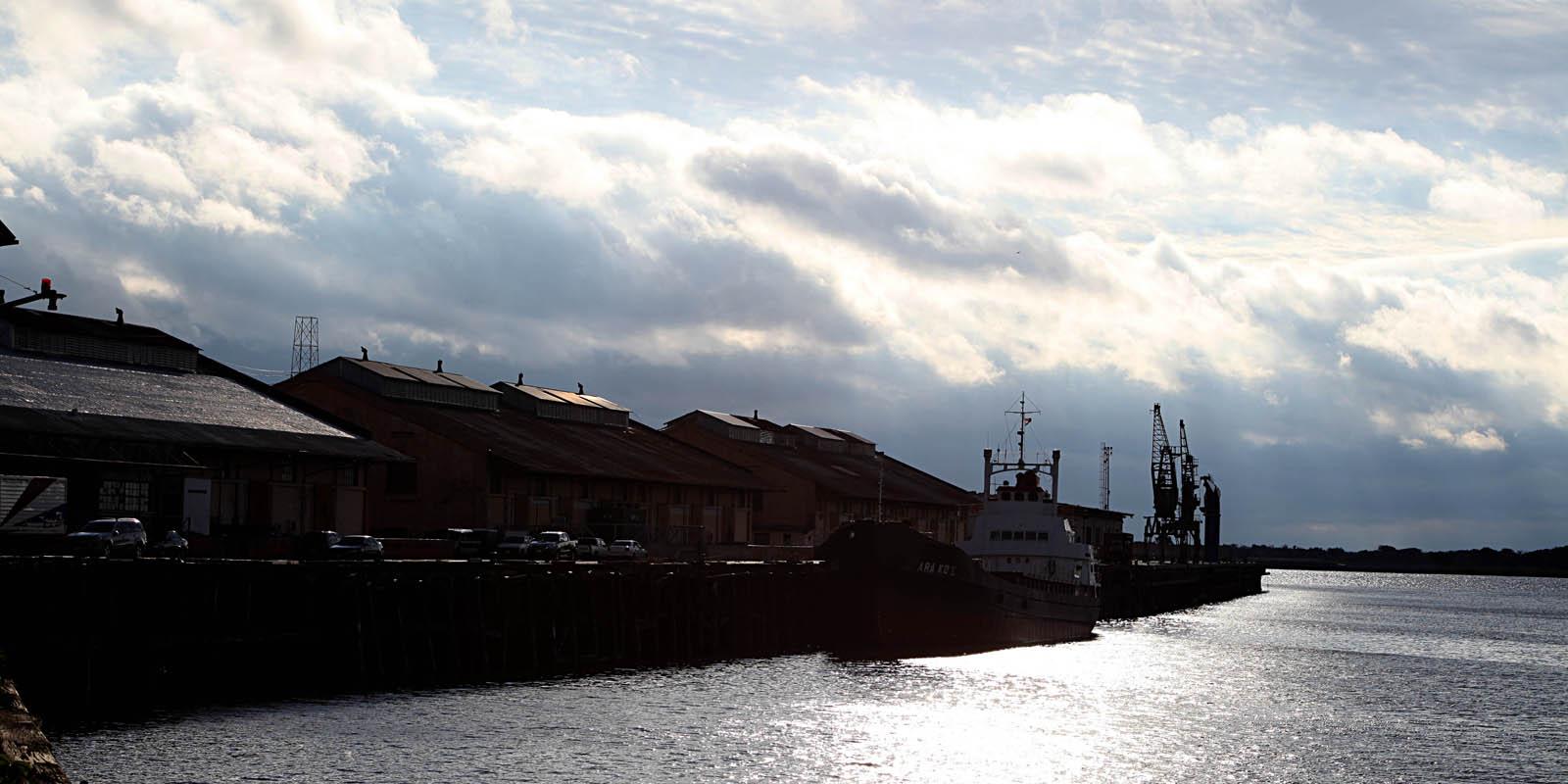 Der historische Hafen von Asunción hat seit 2009, als ich diese Reportage schrieb, noch mehr an Bedeutung eingebüßt. Foto: Horst Martens